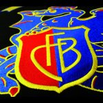 FCB Basilisk auf Pullover gestickt